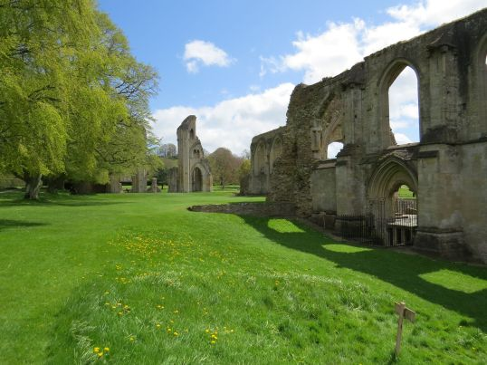 glastonbury_abbey1