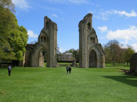 glastonbury_abbey3