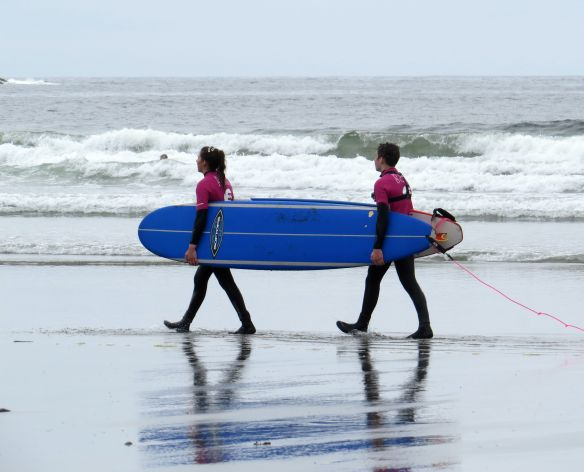tofino_surfing